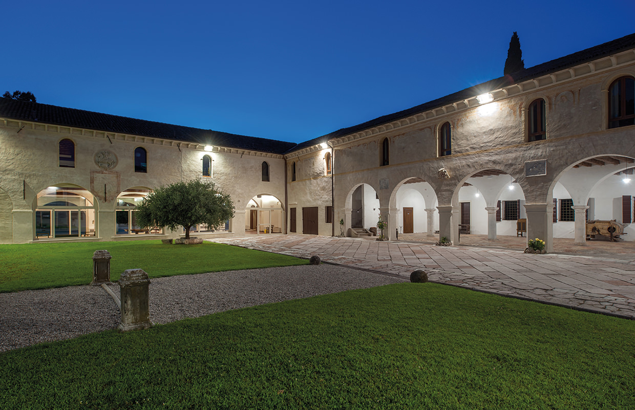 Cloister of the Meridiana (200 sits) west view to the Salone del Consiglio. The Abbey of Santa Maria di Pero – Ninni Riva