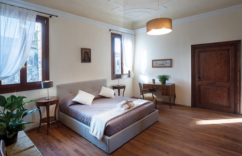 """Appartamento """"La Foresteria"""" (zona giorno, camera doppia e servizi)."""